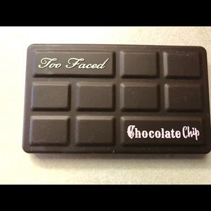Too faced chocolate chip palette, not used